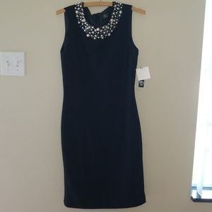 👗NWT New Directions black dress with pearl accent